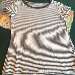 American Eagle T Shirt in Size XS